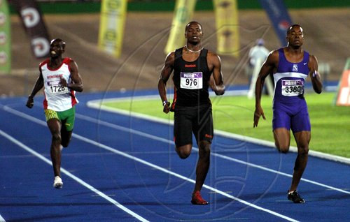 Ricardo Makyn/Staff Photographer.Men 400 meters final at the Gibson Relays at the National Stadium on aturday