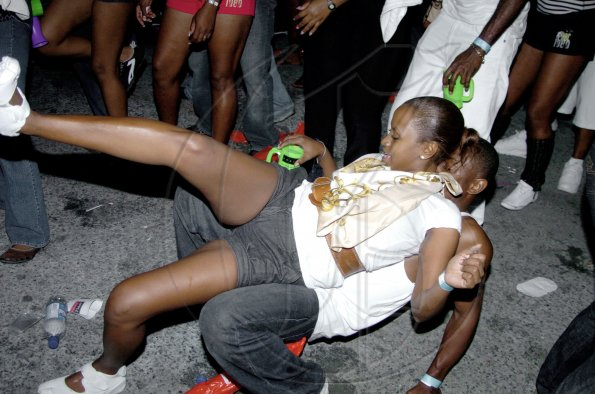 Go Jamaica Photo Gallery | Rampin Shop Daggering Debate ...