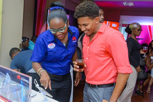 Jamaicans choose Huawei Smartphones - Firstlook - Go-Jamaica